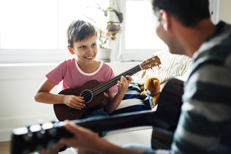 guitar vs uke