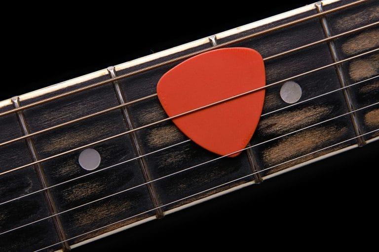 guitar string in pick