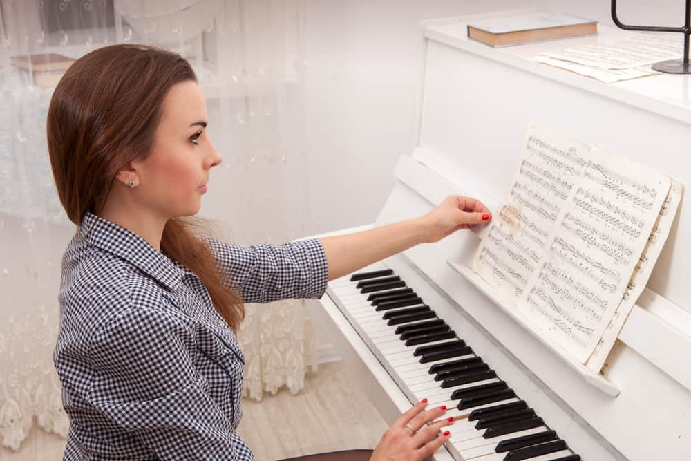 How Long Does it Take to Learn Piano? Our Study into The ...